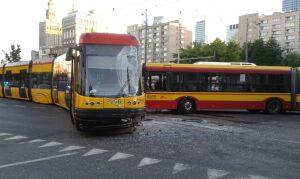 Autobus uderzył w tramwaj. Kopia wypadku ze środy